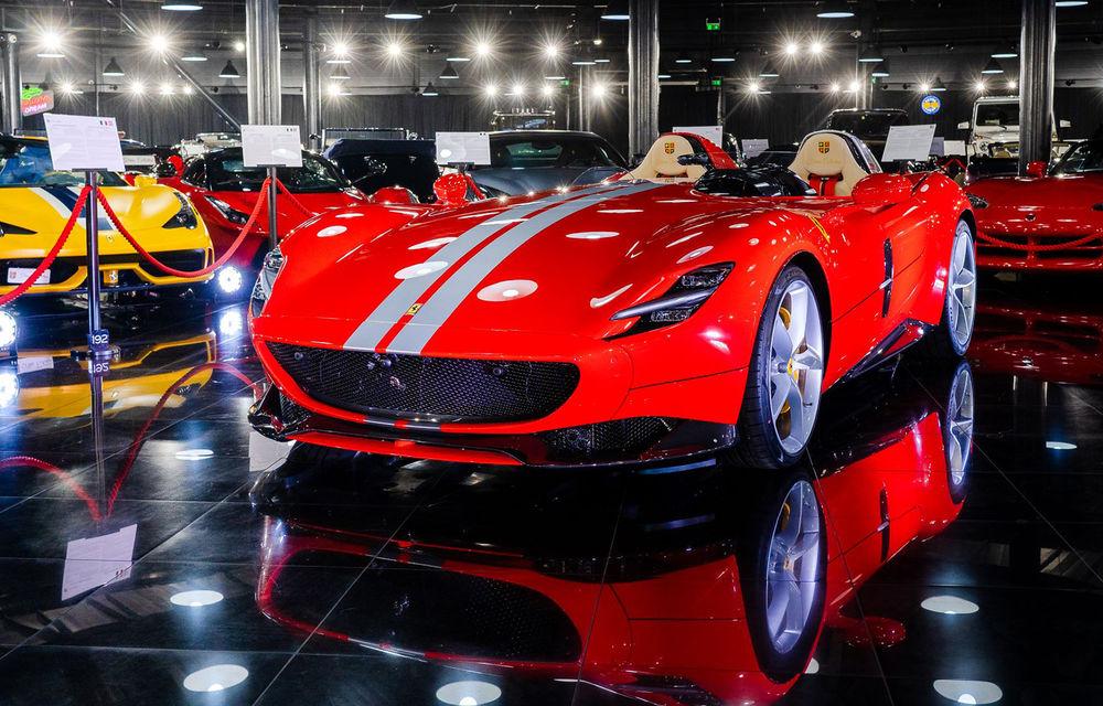 Galeria Țiriac Collection s-a îmbogățit cu un exemplar Ferrari Monza SP2: modelul este echipat cu cel mai puternic V12 aspirat natural din istoria companiei - Poza 1