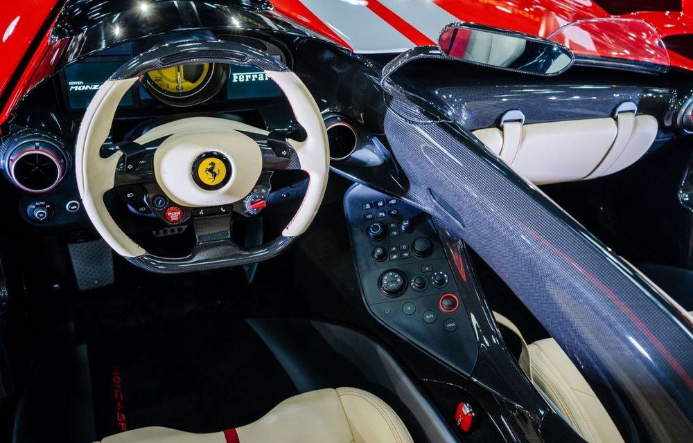 Galeria Țiriac Collection s-a îmbogățit cu un exemplar Ferrari Monza SP2: modelul este echipat cu cel mai puternic V12 aspirat natural din istoria companiei - Poza 5
