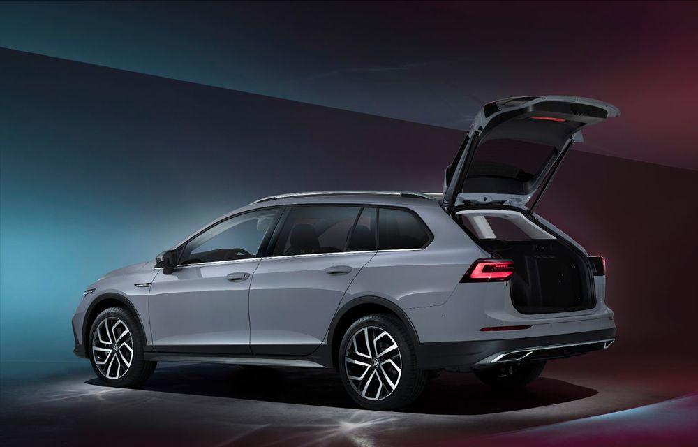 Familia se mărește: Volkswagen a prezentat noile Golf Variant și Golf Alltrack - Poza 4
