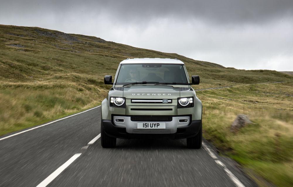 Land Rover Defender primește versiune plug-in hybrid: peste 400 de cai putere și autonomie de 43 de kilometri - Poza 17