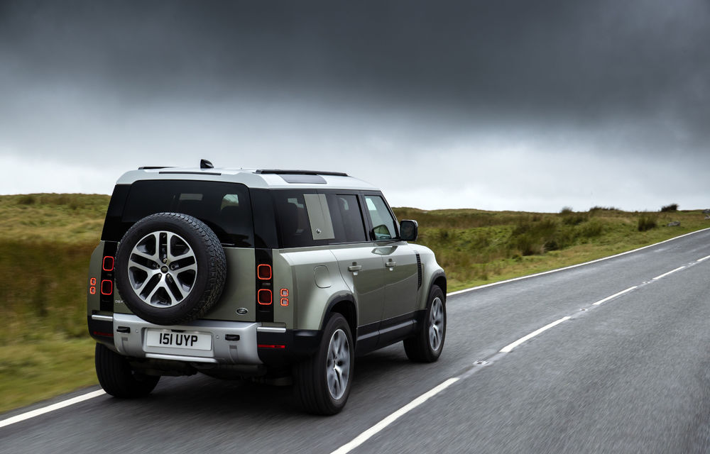 Land Rover Defender primește versiune plug-in hybrid: peste 400 de cai putere și autonomie de 43 de kilometri - Poza 19