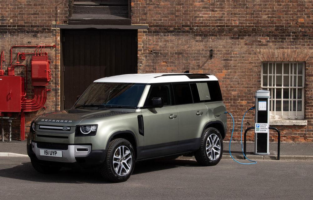Land Rover Defender primește versiune plug-in hybrid: peste 400 de cai putere și autonomie de 43 de kilometri - Poza 1