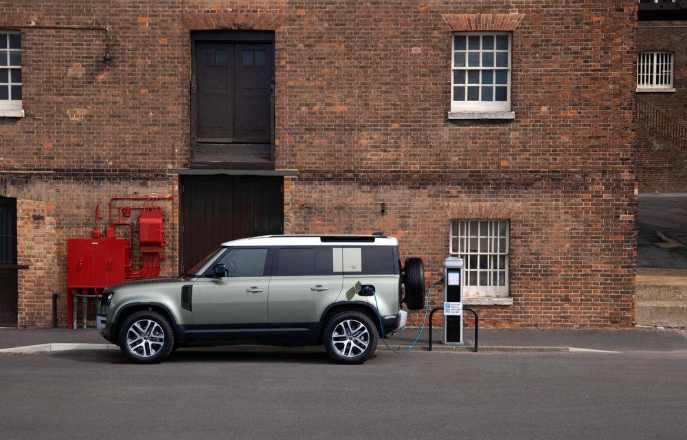 Land Rover Defender primește versiune plug-in hybrid: peste 400 de cai putere și autonomie de 43 de kilometri - Poza 3