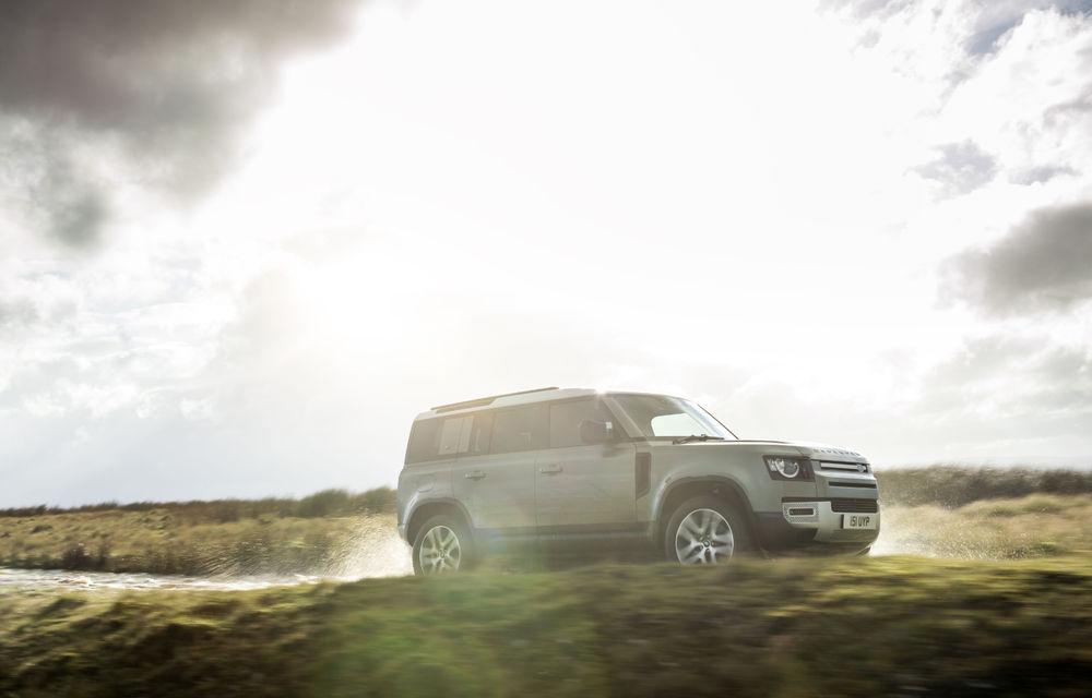 Land Rover Defender primește versiune plug-in hybrid: peste 400 de cai putere și autonomie de 43 de kilometri - Poza 12