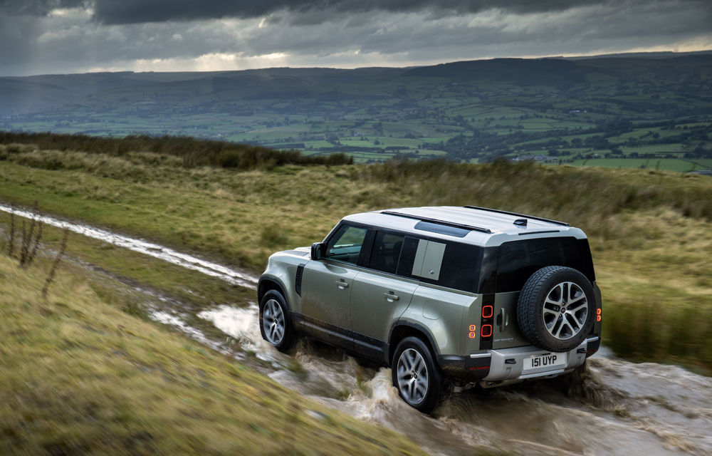 Land Rover Defender primește versiune plug-in hybrid: peste 400 de cai putere și autonomie de 43 de kilometri - Poza 7