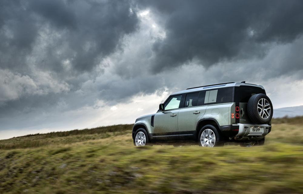 Land Rover Defender primește versiune plug-in hybrid: peste 400 de cai putere și autonomie de 43 de kilometri - Poza 13