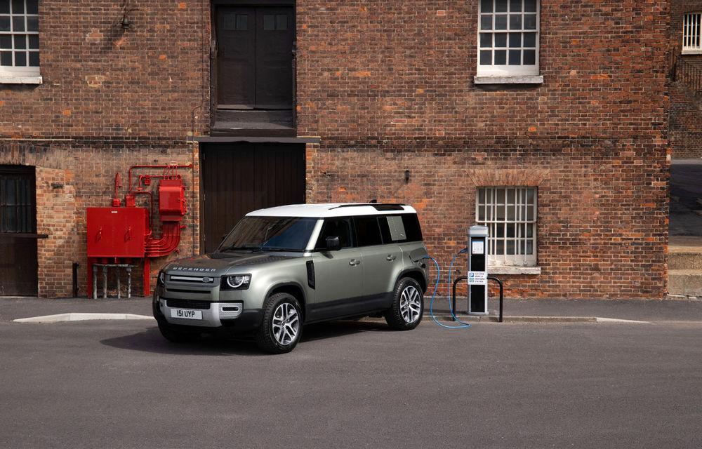 Land Rover Defender primește versiune plug-in hybrid: peste 400 de cai putere și autonomie de 43 de kilometri - Poza 4