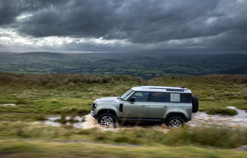 Land Rover Defender primește versiune plug-in hybrid: peste 400 de cai putere și autonomie de 43 de kilometri - Poza 6