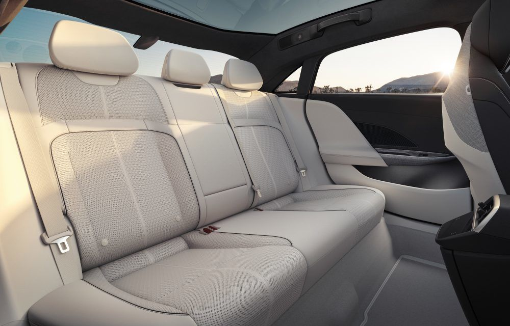 Sedanul electric Lucid Air a fost prezentat: rivalul lui Tesla Model S are până la 1.080 de cai putere și autonomie de până la 827 de kilometri - Poza 17