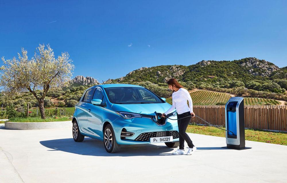 Înmatriculările de mașini electrice au crescut cu 27% în primele 8 luni ale anului: aproape 1.200 de unități, dintre care peste 300 de unități Renault Zoe - Poza 1
