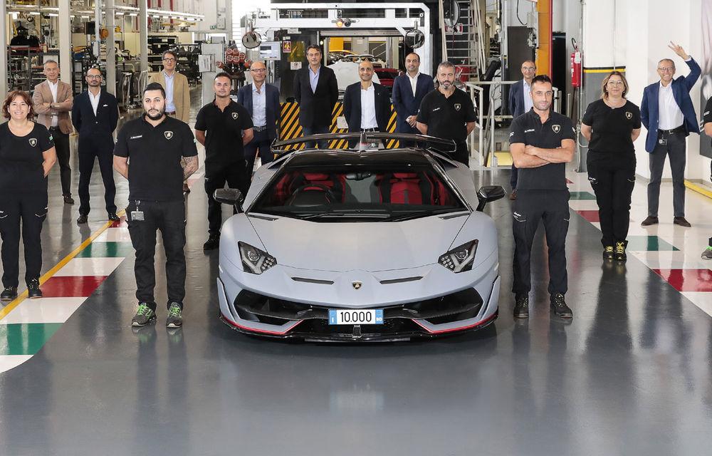 Lamborghini Aventador a ajuns la 10.000 de unități vândute: performanța a fost atinsă în 9 ani de la lansare - Poza 1