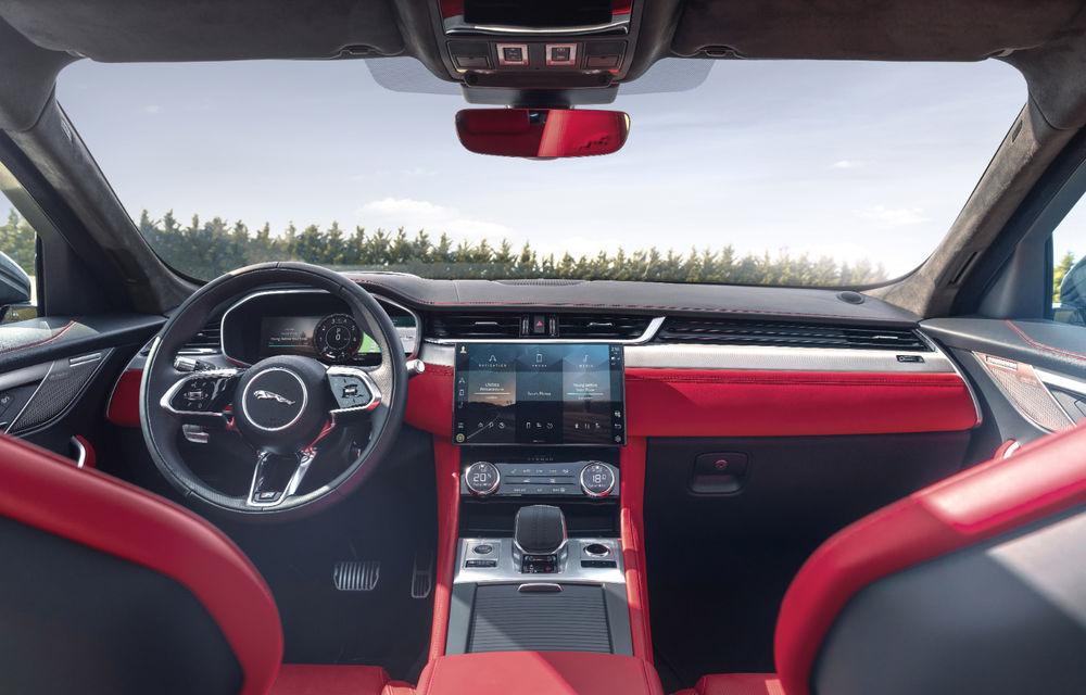 Jaguar F-Pace facelift: SUV-ul de segment mediu primește îmbunătățiri la interior și versiune plug-in hybrid de peste 400 de cai putere - Poza 4