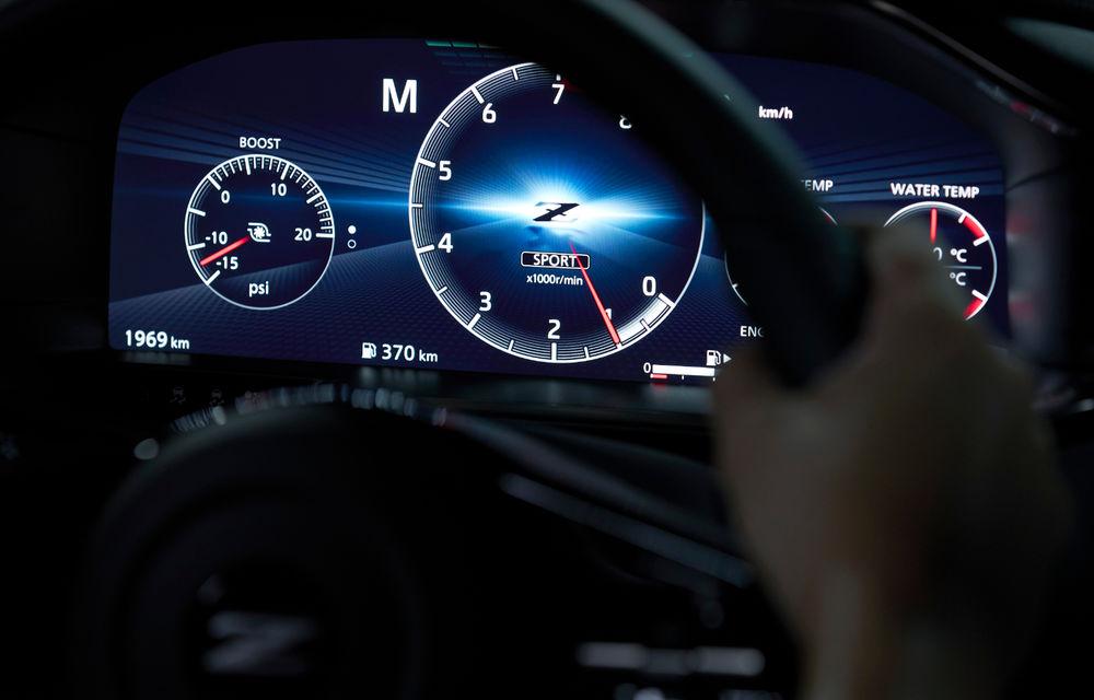 Primele imagini cu Nissan Z Proto: prototipul succesorului lui 370Z se inspiră din trecut, are motor V6 twin-turbo și instrumentar digital de bord de 12.3 inch - Poza 5