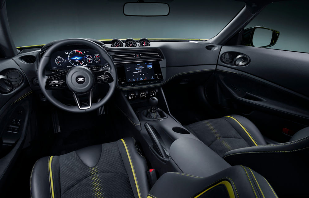 Primele imagini cu Nissan Z Proto: prototipul succesorului lui 370Z se inspiră din trecut, are motor V6 twin-turbo și instrumentar digital de bord de 12.3 inch - Poza 4