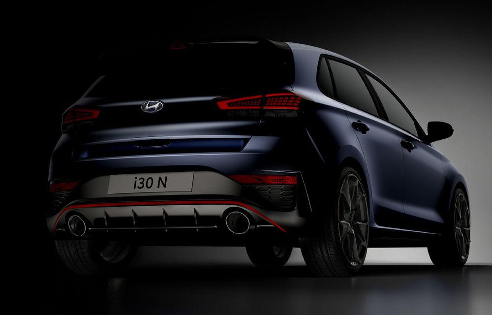 Primele imagini cu Hyundai i30 N facelift: modelul va primi cutie automată cu dublu-ambreiaj - Poza 2