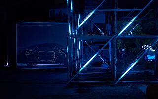 """Avanpremieră în România: noul BMW Seria 4 Coupe a fost prezentat în cadrul proiectului de artă românesc """"Who Am I?"""""""
