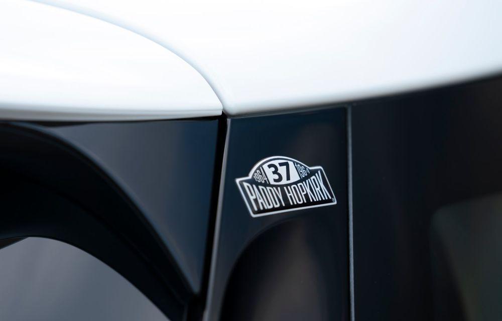 Hatchback-ul Mini este disponibil în versiunea specială Paddy Hopkirk Edition: varianta a fost dezvoltată în onoarea pilotului care a adus prima victorie Mini la Raliul Monte Carlo - Poza 58