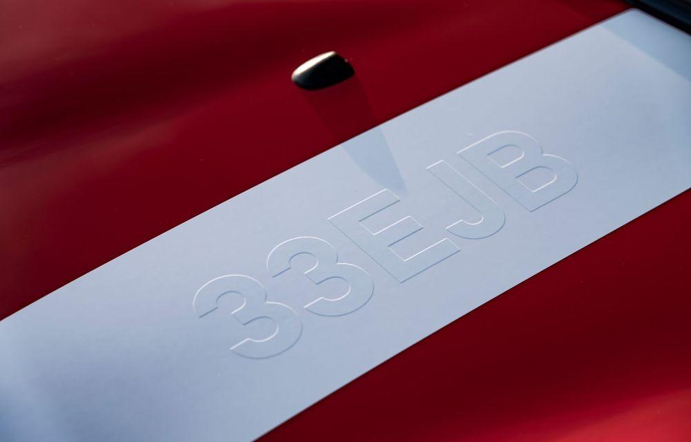 Hatchback-ul Mini este disponibil în versiunea specială Paddy Hopkirk Edition: varianta a fost dezvoltată în onoarea pilotului care a adus prima victorie Mini la Raliul Monte Carlo - Poza 49