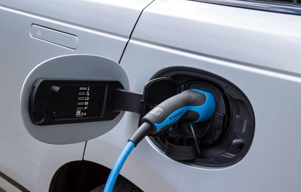 Noutăți pentru Range Rover Velar: versiune plug-in hybrid și motorizări diesel și benzină cu sistem mild-hybrid - Poza 26