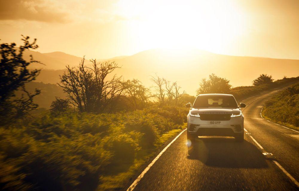 Noutăți pentru Range Rover Velar: versiune plug-in hybrid și motorizări diesel și benzină cu sistem mild-hybrid - Poza 10