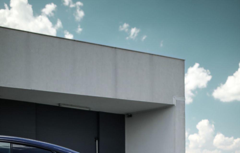 Mercedes-Benz Clasa E facelift a ajuns și în România: prim contact cu versiunile sedan, coupe și All-Terrain - Poza 63