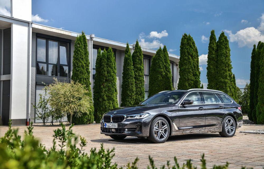 Îmbunătățiri în gama BMW: versiuni plug-in hybrid pentru Seria 5, motoare noi pentru modelele compacte și unități diesel mild-hybrid pentru Seria 3 și Seria 8 - Poza 5