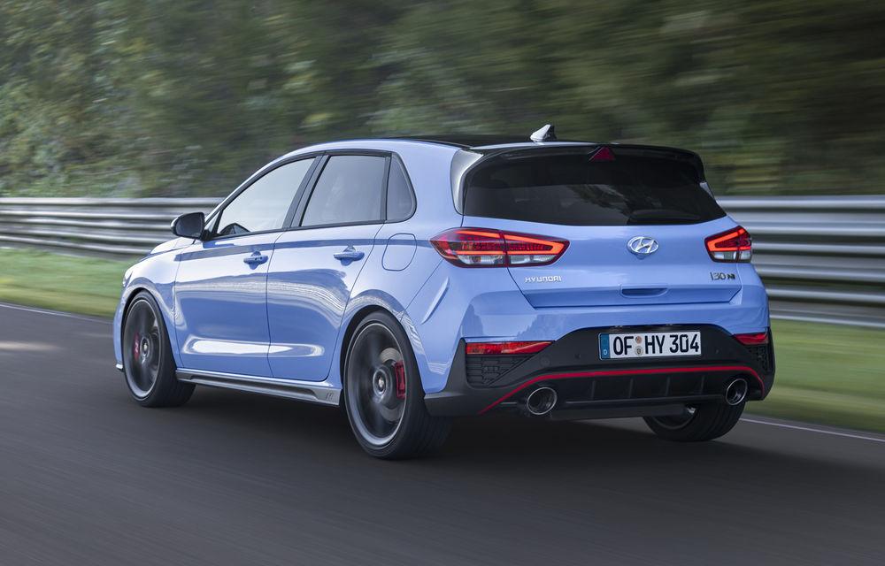 Hyundai a prezentat i30 N facelift: versiunea de performanță are până la 280 de cai putere și primește în premieră transmisie automată - Poza 2
