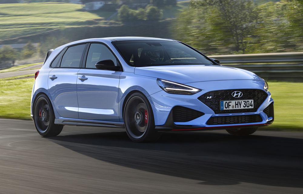 Hyundai a prezentat i30 N facelift: versiunea de performanță are până la 280 de cai putere și primește în premieră transmisie automată - Poza 1