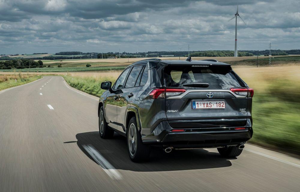 Informații noi despre Toyota RAV4 plug-in hybrid: autonomie electrică de până la 75 de kilometri și 0-100 km/h în doar 6 secunde - Poza 14