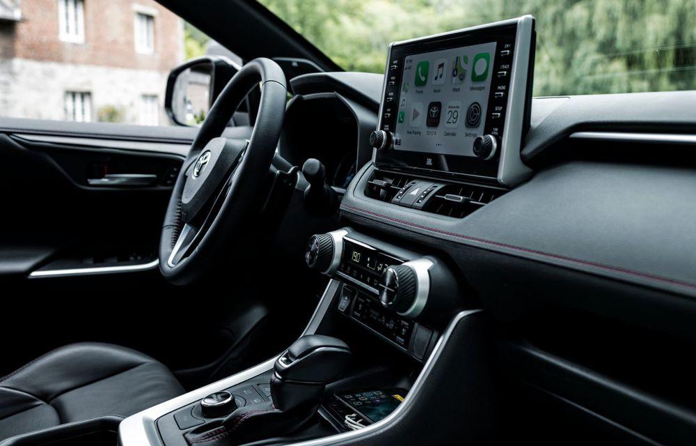 Informații noi despre Toyota RAV4 plug-in hybrid: autonomie electrică de până la 75 de kilometri și 0-100 km/h în doar 6 secunde - Poza 24