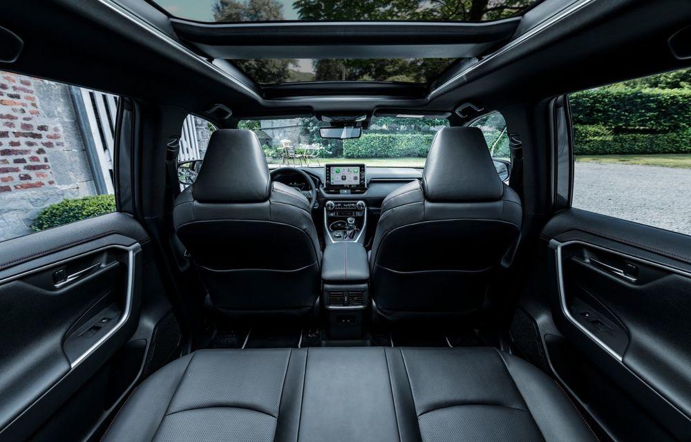 Informații noi despre Toyota RAV4 plug-in hybrid: autonomie electrică de până la 75 de kilometri și 0-100 km/h în doar 6 secunde - Poza 21