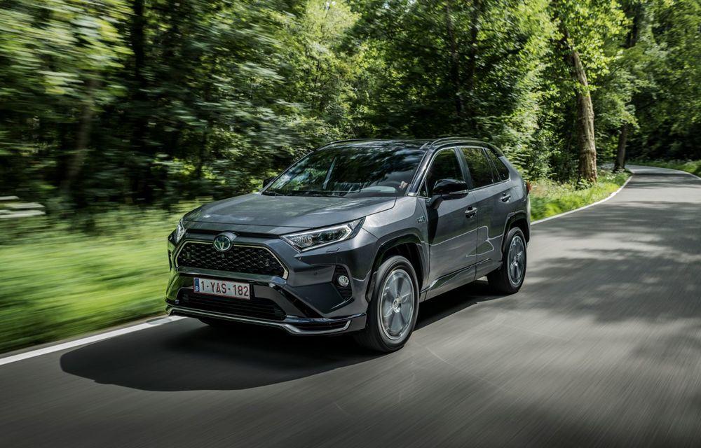 Informații noi despre Toyota RAV4 plug-in hybrid: autonomie electrică de până la 75 de kilometri și 0-100 km/h în doar 6 secunde - Poza 17