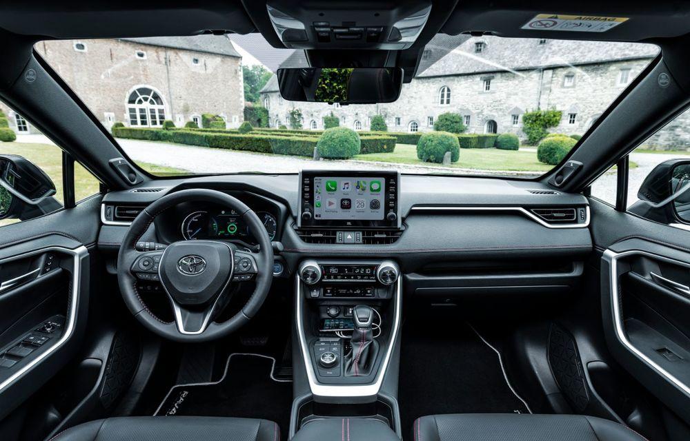 Informații noi despre Toyota RAV4 plug-in hybrid: autonomie electrică de până la 75 de kilometri și 0-100 km/h în doar 6 secunde - Poza 20