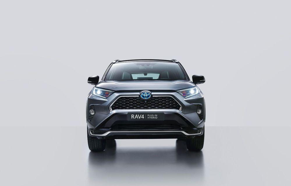 Informații noi despre Toyota RAV4 plug-in hybrid: autonomie electrică de până la 75 de kilometri și 0-100 km/h în doar 6 secunde - Poza 38