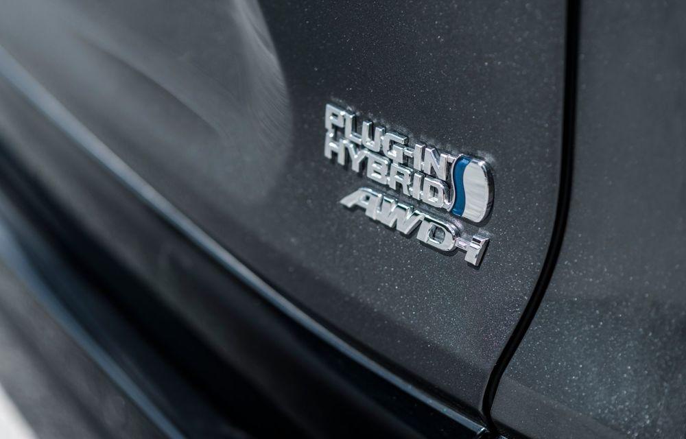 Informații noi despre Toyota RAV4 plug-in hybrid: autonomie electrică de până la 75 de kilometri și 0-100 km/h în doar 6 secunde - Poza 33