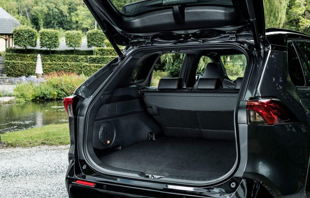 Informații noi despre Toyota RAV4 plug-in hybrid: autonomie electrică de până la 75 de kilometri și 0-100 km/h în doar 6 secunde - Poza 37