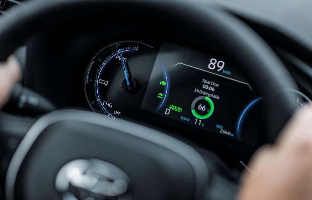 Informații noi despre Toyota RAV4 plug-in hybrid: autonomie electrică de până la 75 de kilometri și 0-100 km/h în doar 6 secunde - Poza 43