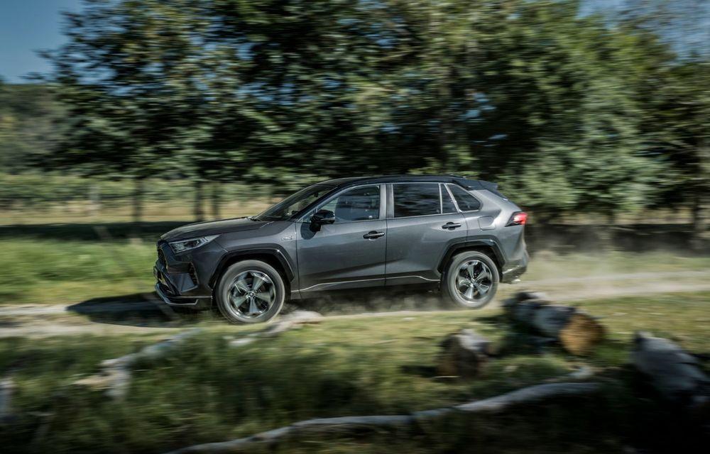 Informații noi despre Toyota RAV4 plug-in hybrid: autonomie electrică de până la 75 de kilometri și 0-100 km/h în doar 6 secunde - Poza 7