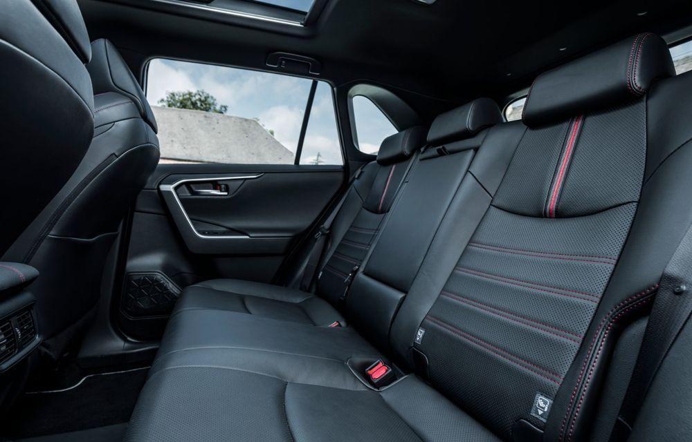 Informații noi despre Toyota RAV4 plug-in hybrid: autonomie electrică de până la 75 de kilometri și 0-100 km/h în doar 6 secunde - Poza 22