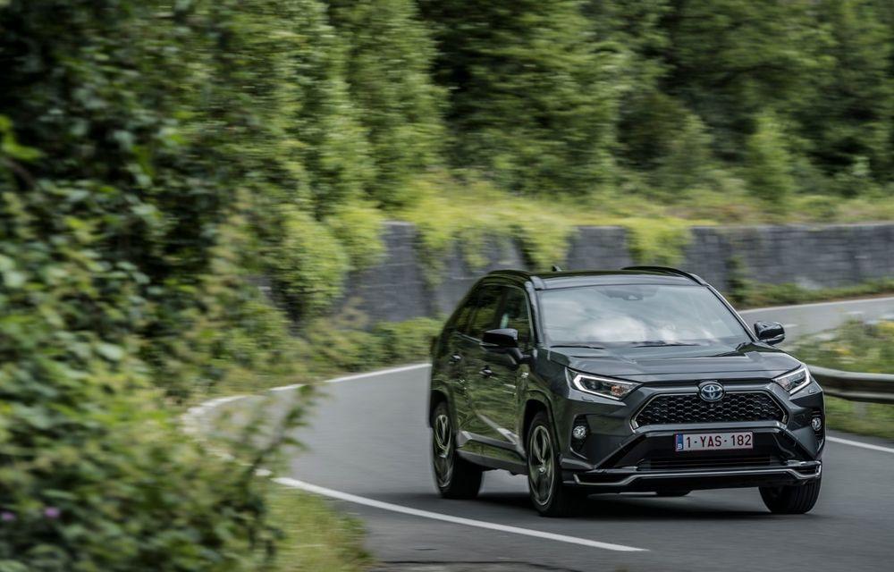 Informații noi despre Toyota RAV4 plug-in hybrid: autonomie electrică de până la 75 de kilometri și 0-100 km/h în doar 6 secunde - Poza 13