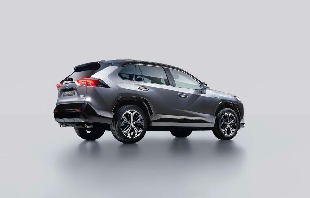 Informații noi despre Toyota RAV4 plug-in hybrid: autonomie electrică de până la 75 de kilometri și 0-100 km/h în doar 6 secunde - Poza 40