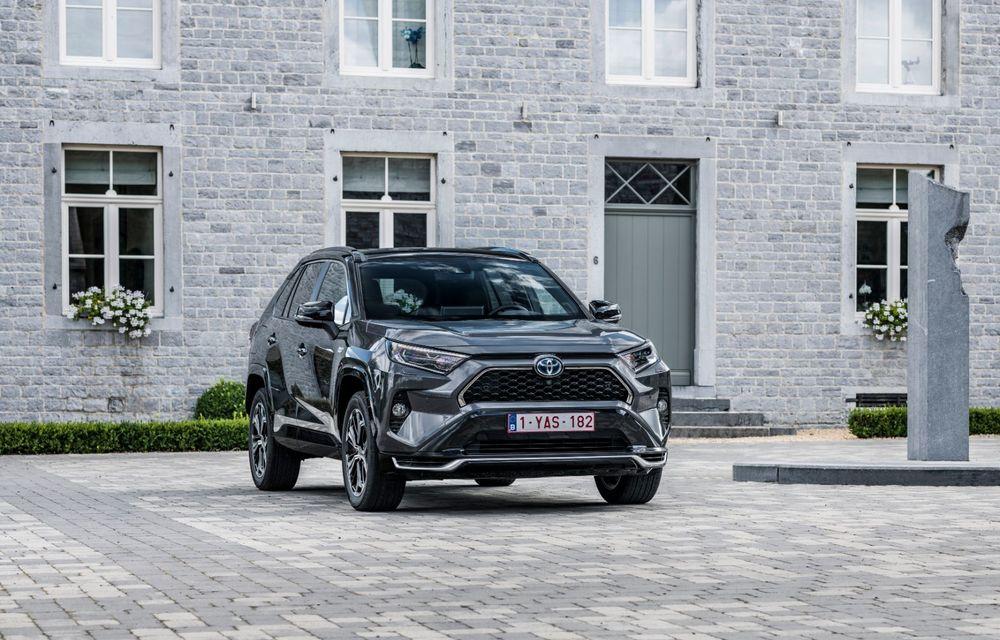 Informații noi despre Toyota RAV4 plug-in hybrid: autonomie electrică de până la 75 de kilometri și 0-100 km/h în doar 6 secunde - Poza 9