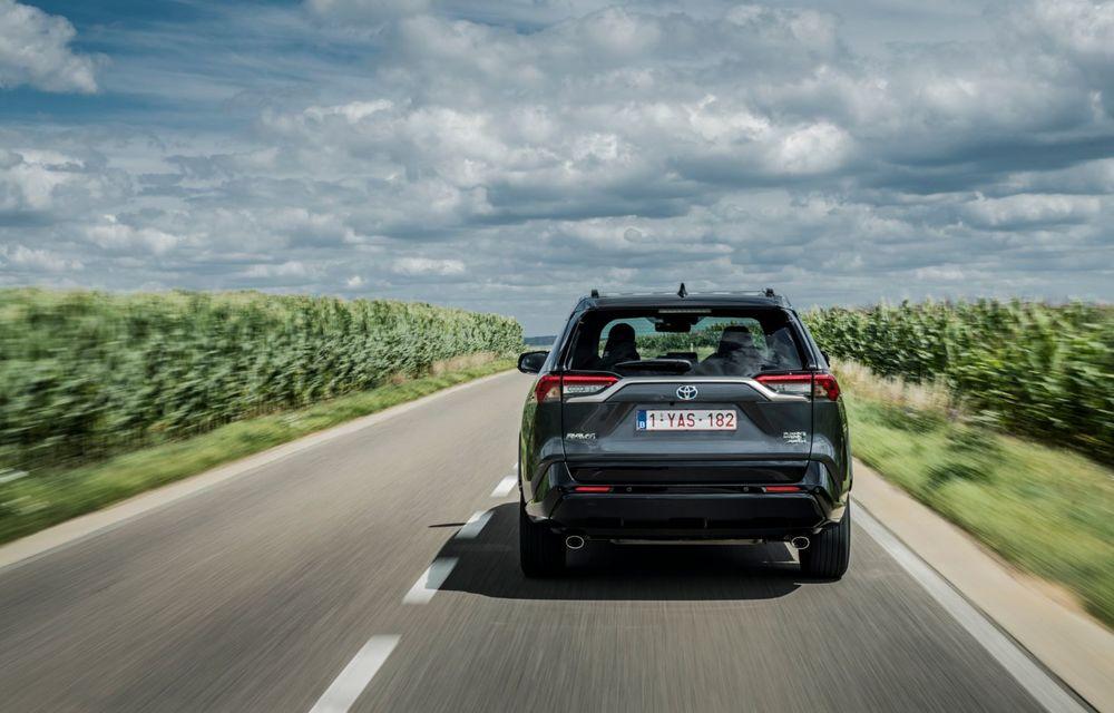 Informații noi despre Toyota RAV4 plug-in hybrid: autonomie electrică de până la 75 de kilometri și 0-100 km/h în doar 6 secunde - Poza 28