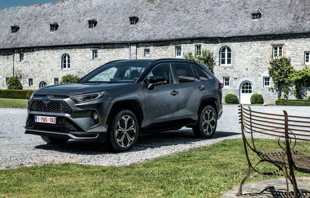 Informații noi despre Toyota RAV4 plug-in hybrid: autonomie electrică de până la 75 de kilometri și 0-100 km/h în doar 6 secunde - Poza 8