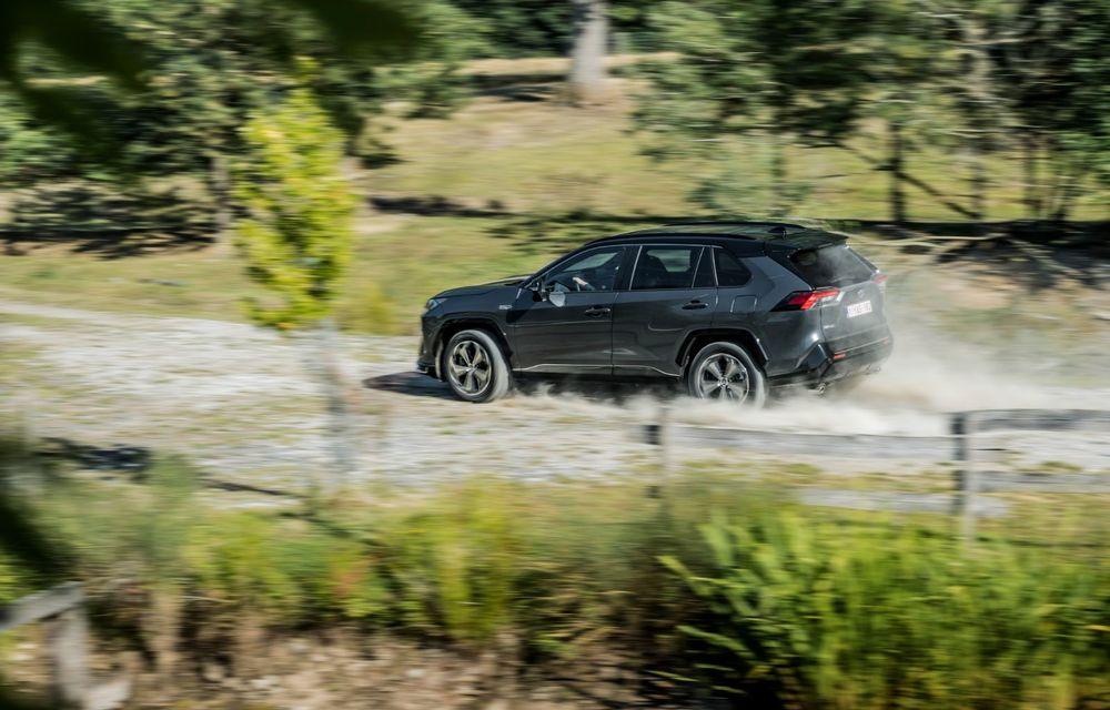 Informații noi despre Toyota RAV4 plug-in hybrid: autonomie electrică de până la 75 de kilometri și 0-100 km/h în doar 6 secunde - Poza 4