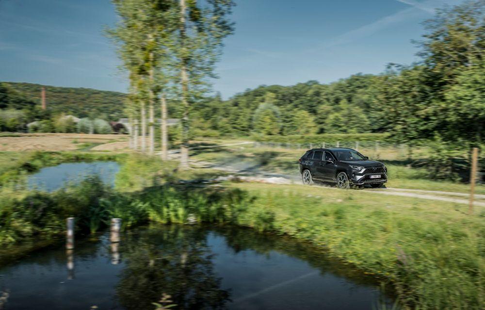 Informații noi despre Toyota RAV4 plug-in hybrid: autonomie electrică de până la 75 de kilometri și 0-100 km/h în doar 6 secunde - Poza 5
