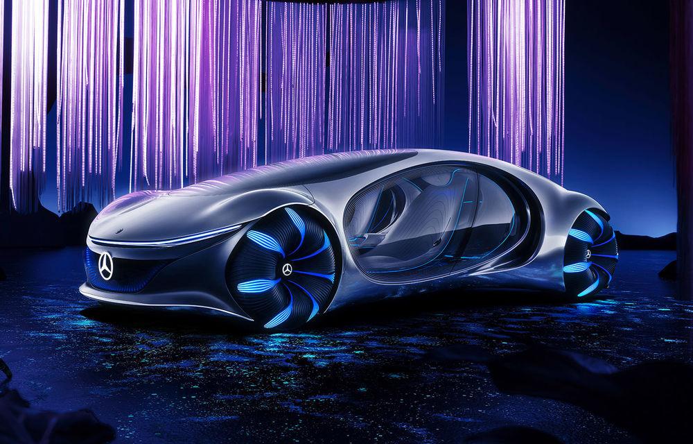 Video. Mercedes-Benz a testat prototipul Vision AVTR, care folosește un senzor de pulsație în loc de volan - Poza 1