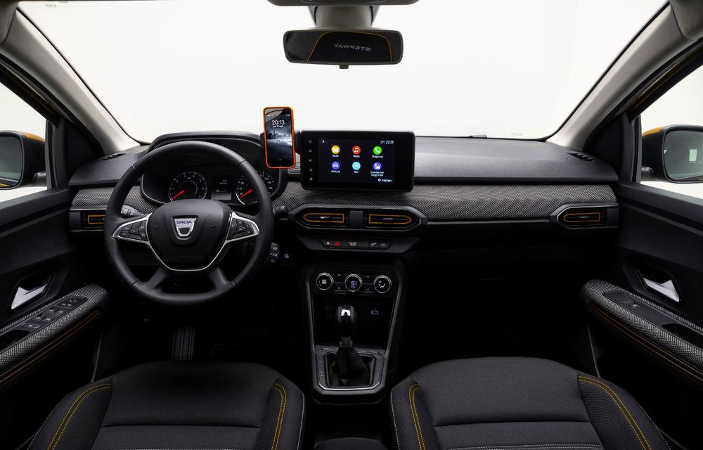 Noile Dacia Logan, Sandero și Sandero Stepway: design modern, interior îmbunătățit, cutie automată CVT și fără motorizări diesel - Poza 111