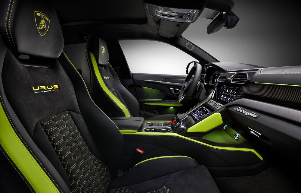 Lamborghini Urus primește noul pachet de design Graphite Capsule: patru noi culori de caroserie și jante de 23 inch - Poza 7