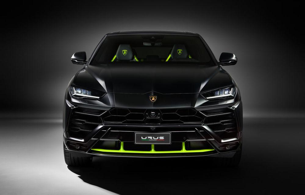 Lamborghini Urus primește noul pachet de design Graphite Capsule: patru noi culori de caroserie și jante de 23 inch - Poza 2